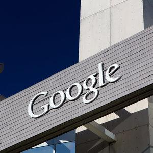 Google включит переработанные материалы во все виды продукции