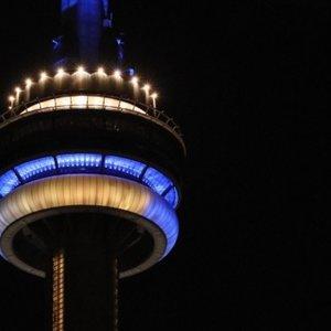 У Канаді найвищу споруду підсвітили в честь України: фото