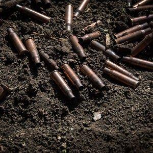 В Донбассе на мине подорвались военные: двое погибших