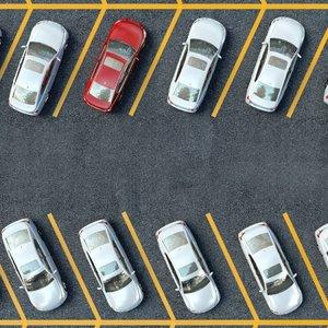 Ученые рассказали, как лучше всего парковать машину