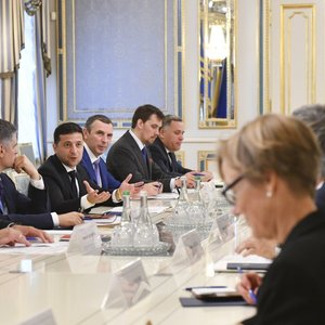 Зеленський зустрівся з послами країн G7: що обговорювали