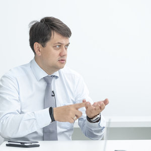 Разумков пояснил, откажется ли Слуга народа от госфинансирования