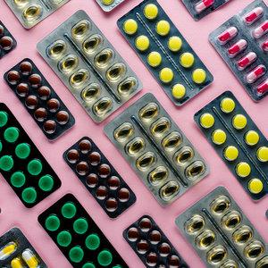 Минздрав разрешит проверять лекарства через смартфон