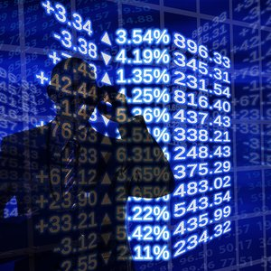 """НКЦБФР выявила на биржах """"схематозных"""" операций на 20 млрд грн"""