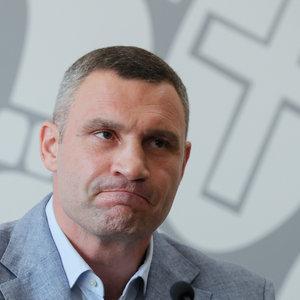 В среду Кабмин может рассмотреть увольнение Кличко