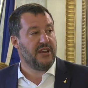 Кризис в Италии: внесена резолюция о недоверии премьеру