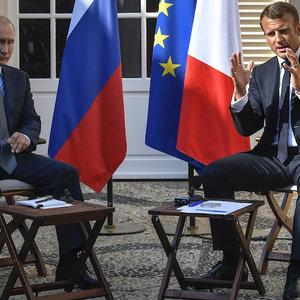 Макрон назвал условие возврата России в G8