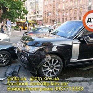 В центре Киева в результате ДТП пострадали пять пешеходов: видео