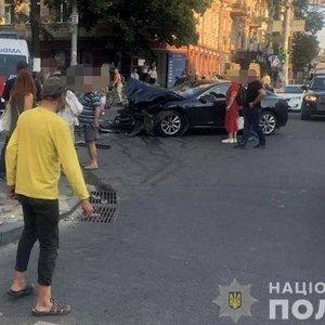 Появилось видео ДТП в центре Киева, где пострадали 5 пешеходов