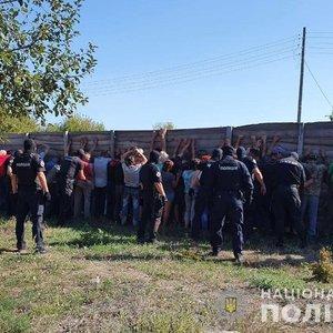 Нападение на тележурналистов: задержано 30 человек - фото