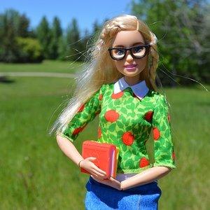 Производитель Барби нашел украинский плагиат куклы и подал в суд