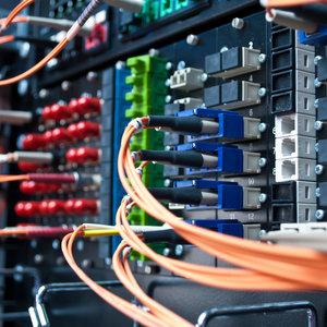 Рада отменила лицензии операторам телекоммуникаций