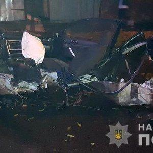 Авто влетіло в дерево. У Чернігові загинули четверо підлітків